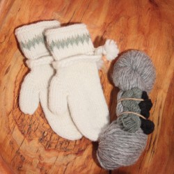 Tree Line Mitts